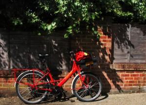 postman-s-bike-england-1239662-639x456